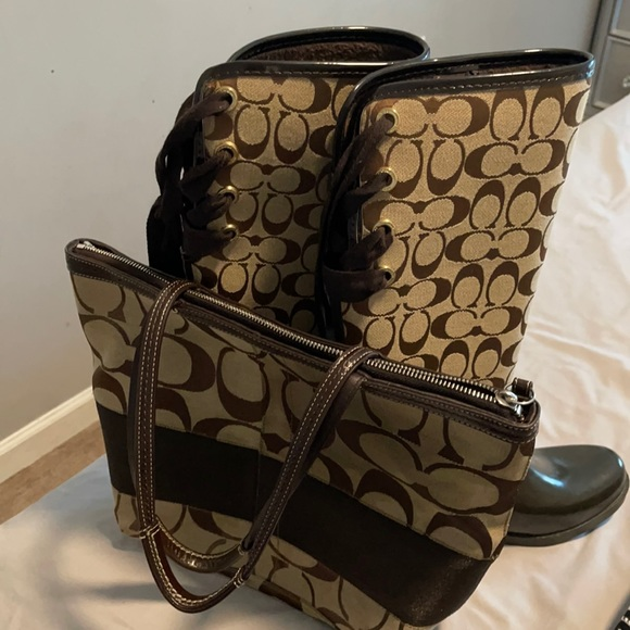 Women's Authentic Coach Boots And Purse